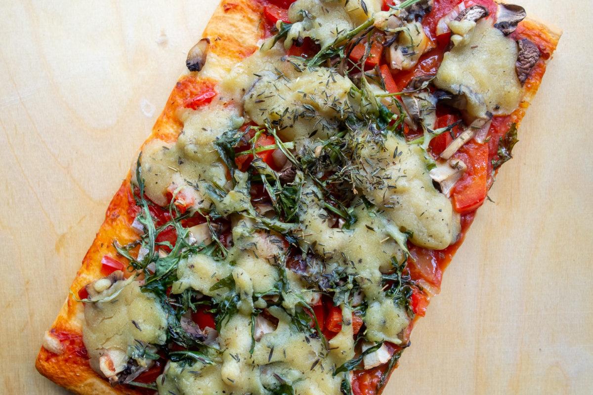 Pizza mit Hefeschmelz und ohne Käse